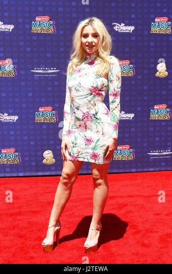 Sophie Beem at arrivals for Radio Disney Music Awards - ARRIVALS 2, Microsoft Theater, Los Angeles, CA April 29, - Stock-Bilder