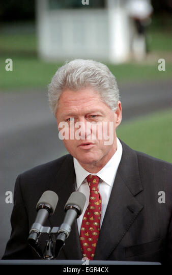 US President Bill Clinton makes a statement urging the passage of the Hate Crimes Prevention Act following the brutal - Stock Image
