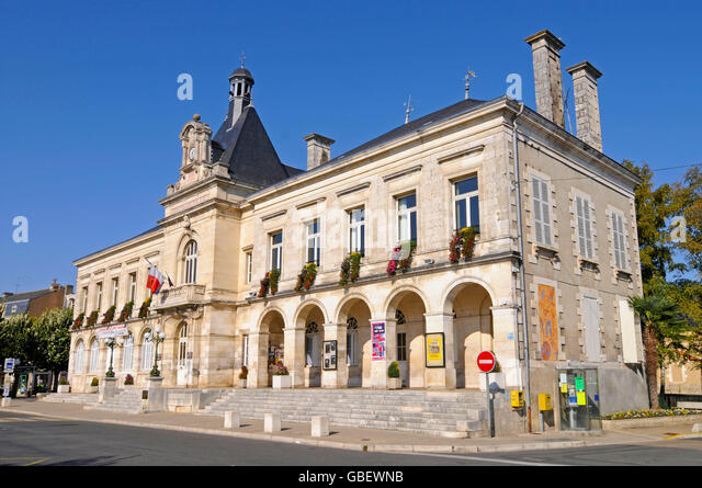 Chauvigny france stock photos chauvigny france stock for Vienne poitiers