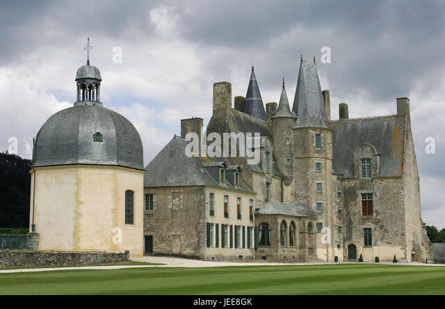 France ille et vilaine museum stock photos france ille et vilaine museum stock images alamy for Images of couch for hall rennes