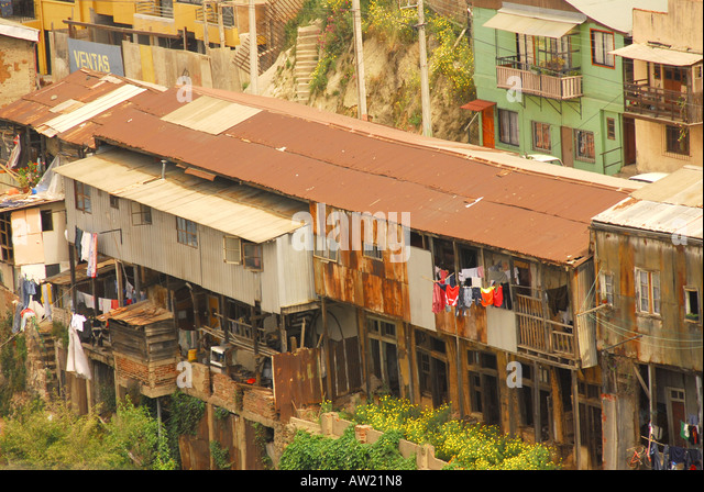 Chile Valparaiso hillside homes packed together overcrowding poverty - Stock Image