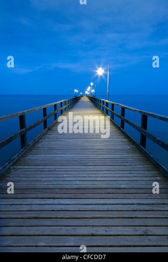 Pier in the evening, Bansin seaside resort, Usedom island, Baltic Sea, Mecklenburg-West Pomerania, Germany - Stock Image