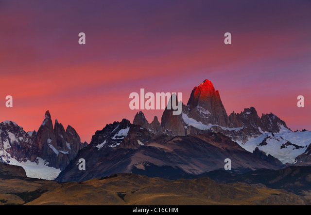 Mount Fitz Roy, alpenglow, first rays of sunrise. Los Glaciares National Park, Patagonia, Argentina - Stock Image