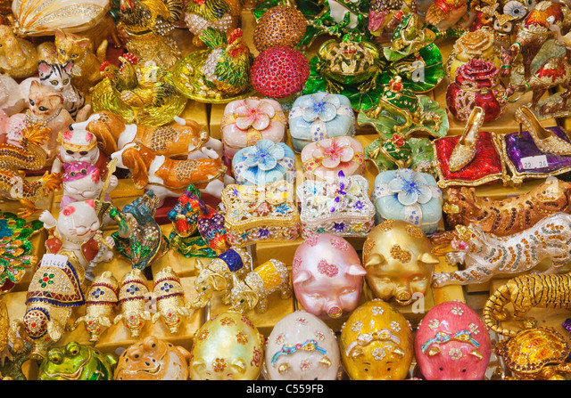 Souvenir shop display, Namdaemun Market, Seoul, South Korea - Stock Image