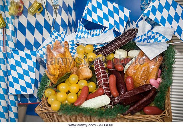 Bavarian picnic basket - Stock-Bilder