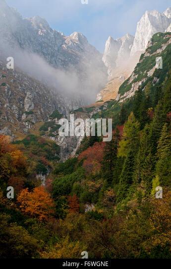 The eastern escarpment of the Bucegi Mountains, Transylvania, Romania - Stock Image