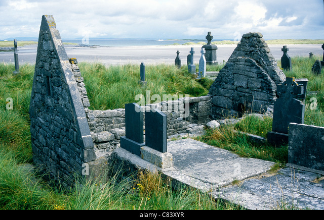 The ancient ruined church of St Enda  at Killearey on Inis Mor, Aran Islands, Galway Ireland. - Stock Image
