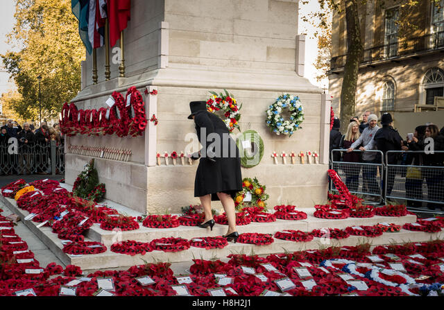 London, UK. 13th November, 2016. Remembrance Day Poppy Wreaths at The Cenotaph in Whitehall Credit:  Guy Corbishley/Alamy - Stock Image