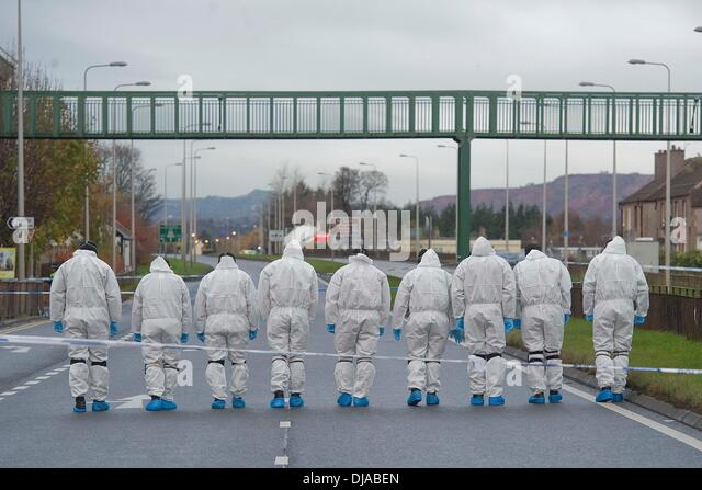 Edinburgh, UK. 26th November 2013. The A8 closed near the airport as unconfirmed reports of 3 shots fired last night - Stock-Bilder