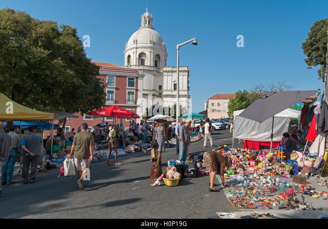 Feira da Ladra Thieves' Market. Santa Engracia church. Campo de Santa Clara Lisbon Portugal - Stock Image