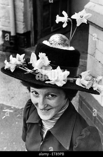 Easter Bonnet, 20th April 1976. - Stock Image
