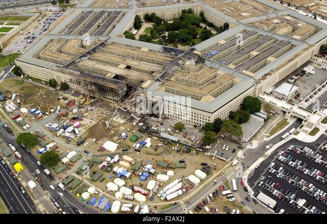 Aerial view of the Pentagon on Sept. 14, 2001, three days after 9-11 attacks. American Airlines Flight 77 crash - Stock-Bilder
