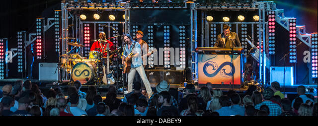 Jake Owen performing live in Milwaukee, WI - Stock Image
