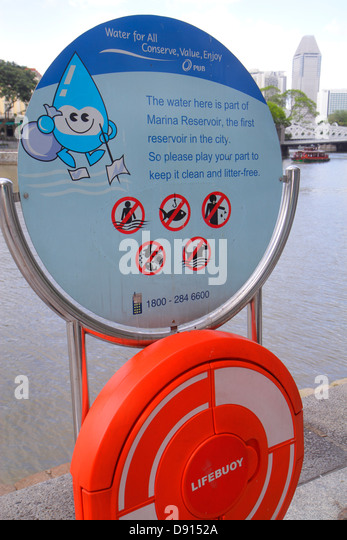 Singapore Singapore River Boat Quay sign information clean water litter-free environment pollution ecology conservation - Stock Image