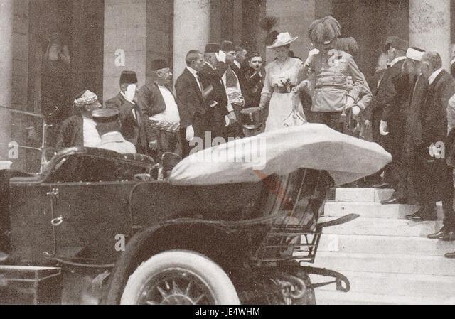 Franz Ferdinand leaving Sarajevo town hall 1914 - Stock Image