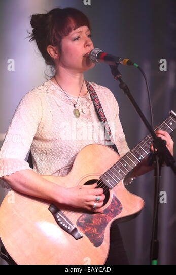 The Victoria Warehouse, Manchester, UK. 21st Nov, 2014.Emily Barker & The Red Clay Halo performing on the Second - Stock Image