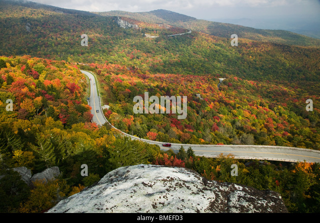 North America, USA, North Carolina, View of road passing by Blue Ridge Parkway, elevated view - Stock Image