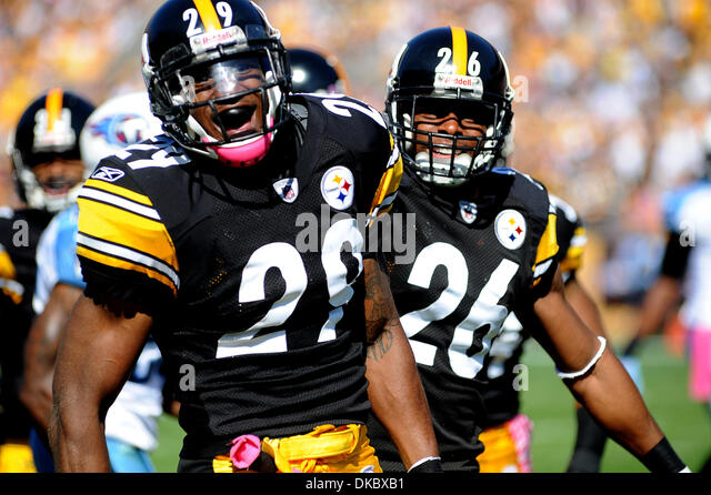 Oct. 9, 2011 - Pittsburgh, PENNSYLVANNIA, U.S - Pittsburgh Steelers defensive back Will Allen (26) smiles with Pittsburgh - Stock Image