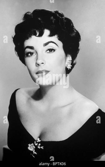 ELIZABETH TAYLOR ACTRESS (1956) - Stock-Bilder