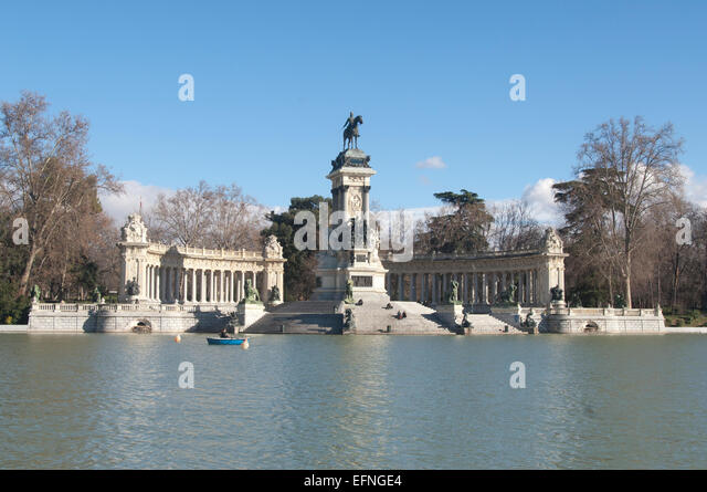 Buen Retiro Park Madrid Stock Photos & Buen Retiro Park Madrid Stock Imag...