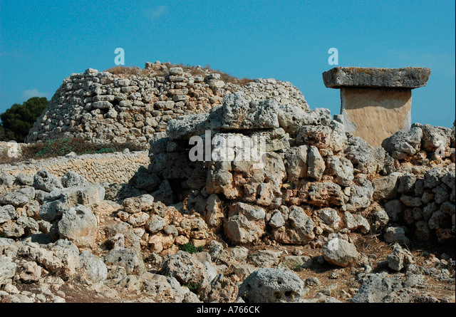 Talaiot and taula in Trepuco site MENORCA Balearic Islands Spain - Stock Image