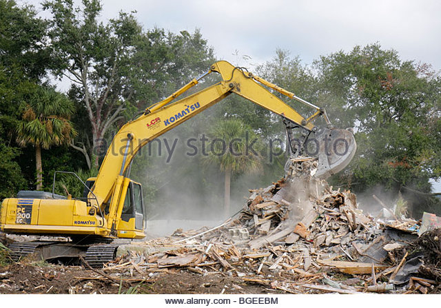 South Carolina Beaufort Bay Street building demolition demolish tear down raze razing site structure wood wooden - Stock Image