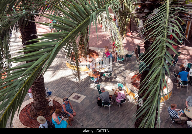 Renaissance Curacao Resort & Casino outdoor courtyard cafe, Otrobanda  Willemstad Curacao - Stock Image