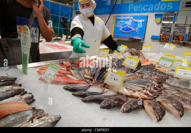 Lima Peru Barranco District Avenida Miguel Grau shopping Metro Supermarket supermarket grocery store chain fresh - Stock Image