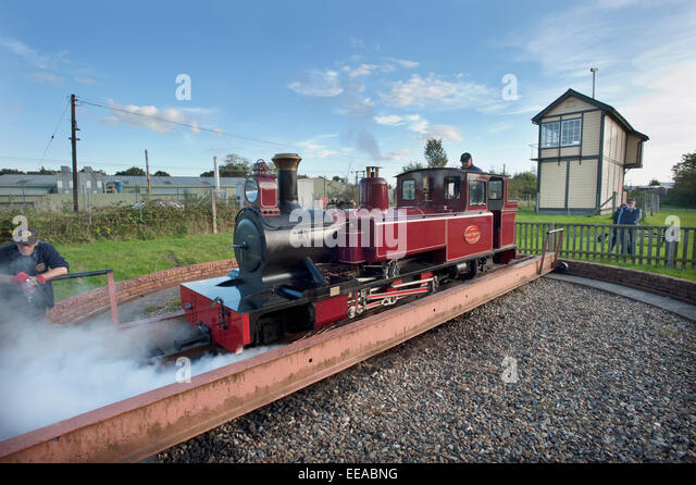Picture by Roger Bamber : 05 October 2014 : The driver uses his injectors to move off the Turntable at Wroxham station - Stock Image