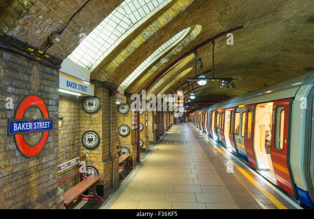 Victorian architecture and exposed brickwork at Baker Street underground station platform London England UK Gb EU - Stock Image