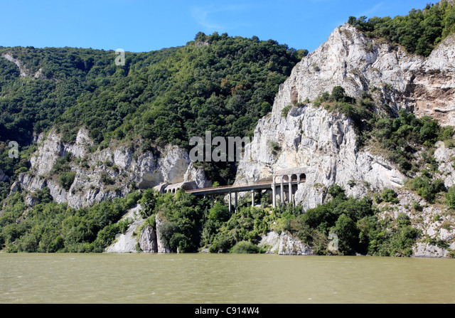 danube between mountains and - photo #46