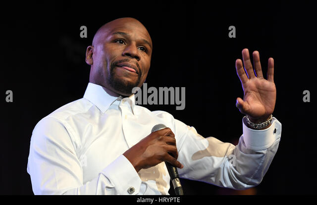 Birmingham, UK. 04th Mar, 2017. Floyd Mayweather attends at VIP evening at the ICC in Birmingham Credit: David Bagnall/Alamy - Stock-Bilder