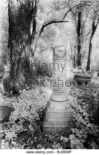 Tombstones in the Jewish Cemetery on the Lido di Venezia, Venice, Italy - Stock-Bilder