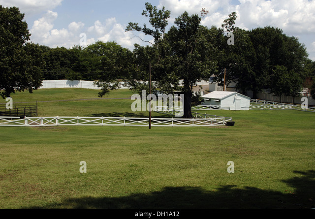Tennessee. Memphis. Graceland Mansion to Elvis Presley (1935-1977). Outside. USA. - Stock Image