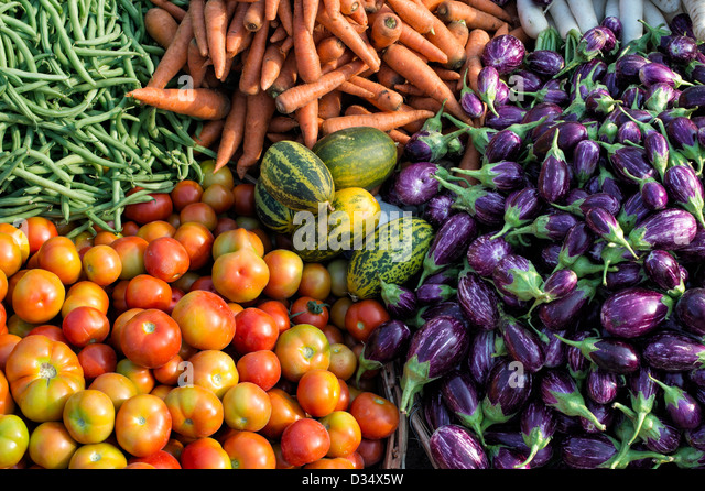Indian vegetables at a rural village market, Andhra Pradesh, India. - Stock-Bilder
