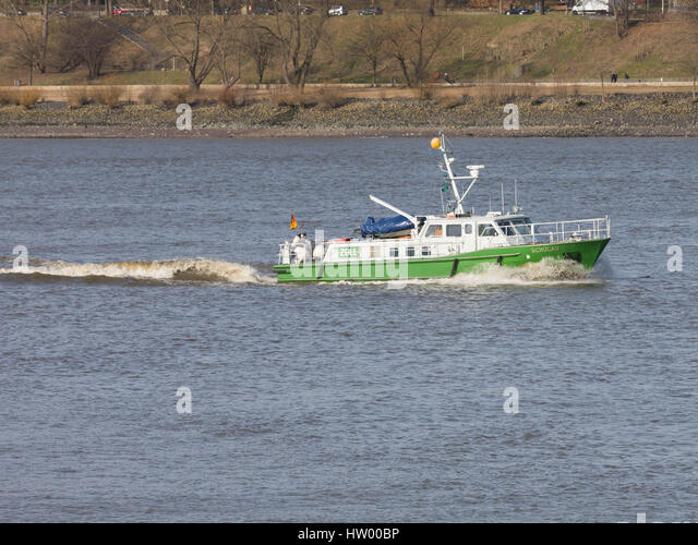 Hamburg, Germany, March 03, 2017, German customs patrol boat 'Schulau' as seen on the Elbe, entering the - Stock Image