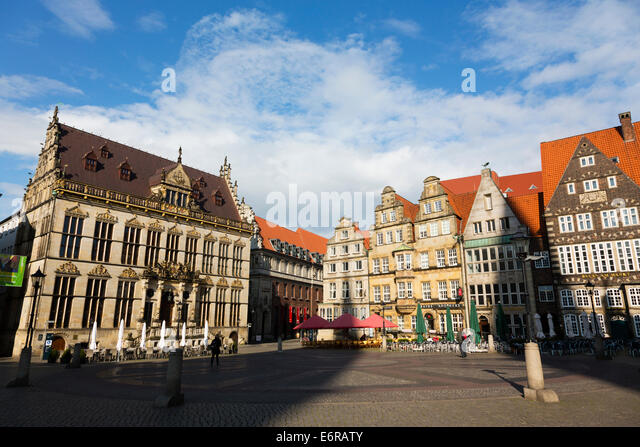 Market place, Bremen, Germany. Showing the Markt Schuetting and other historic buildings. - Stock Image