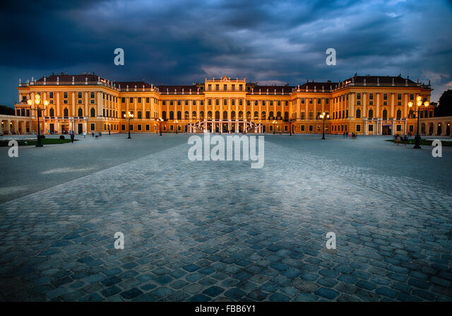 summer palace vienna stock photos summer palace vienna stock images alamy. Black Bedroom Furniture Sets. Home Design Ideas