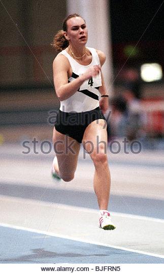 23/01/94 SCOTTISH INDOOR ATHLETICS CHAMPIONSHIP KELVIN HALL - GLASGOW Athlete Ruth Girvin in action - Stock Image