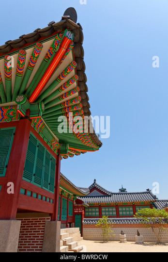 Roof at Gyeongbokgung Palace Seoul South Korea. JMH3936 - Stock Image