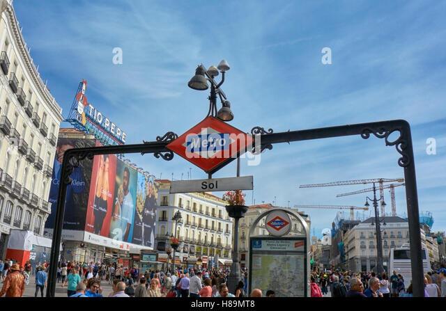 Tourism touristic advertisement adverts stock photos for Tio pepe puerta del sol madrid