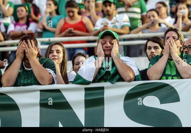 Chapeco, Brazil. 29th Nov, 2016. Supporters of Brazilian football team Chapecoense take part in a vigil at Conda - Stock Image