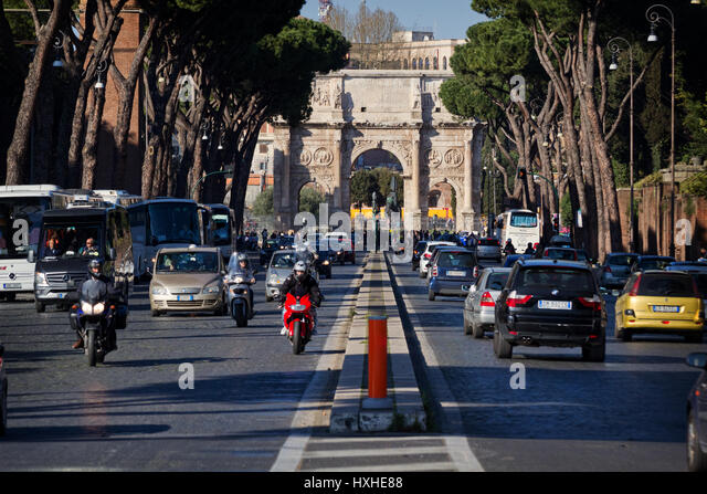 The Arch of Constantine (from Piazza di Porta Capena) - Stock Image