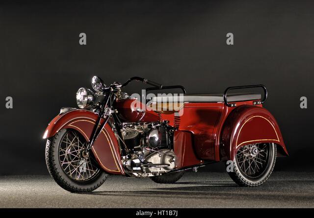 Indian despatch tow 3 wheeler 1940. Artist: Simon Clay. - Stock Image