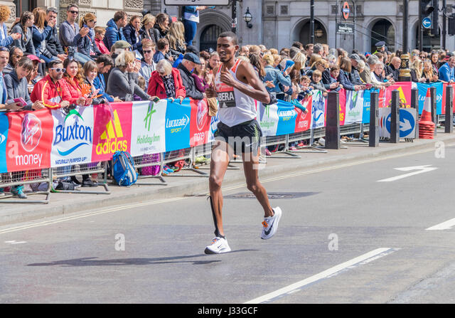 Tesfaye Abera at the London Marathon 2017 - Stock Image