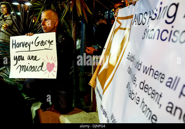 San Francisco, California, USA. 27th Nov, 2013. A citizen displays his thoughts on a sign during a candlelight vigil - Stock Image