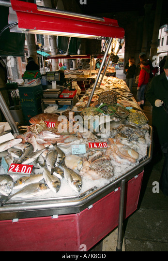 Pescaria stock photos pescaria stock images alamy for Nearest fresh fish market