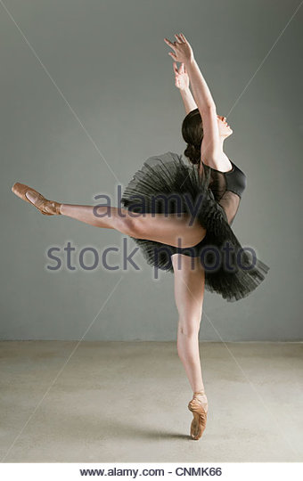 Ballet Dancer Stock Photos & Ballet Dancer Stock Images ...