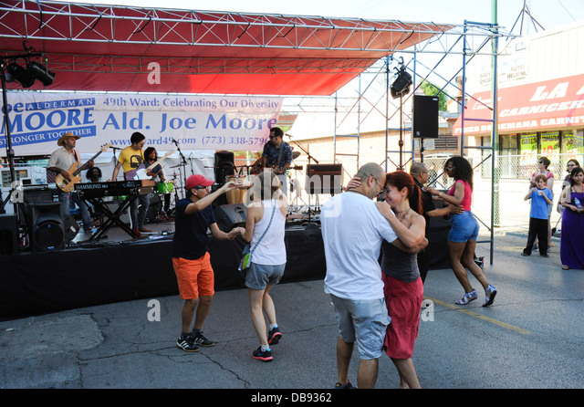 'Celebrate Clark St. Festival, Chicago, Illinois. 'Dos Santos Anti-Beat' cumbia band on stage. - Stock Image
