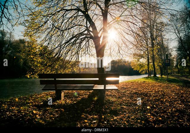 Germany, Bavaria, Landshut, autumn atmosphere at Isar river - Stock Image